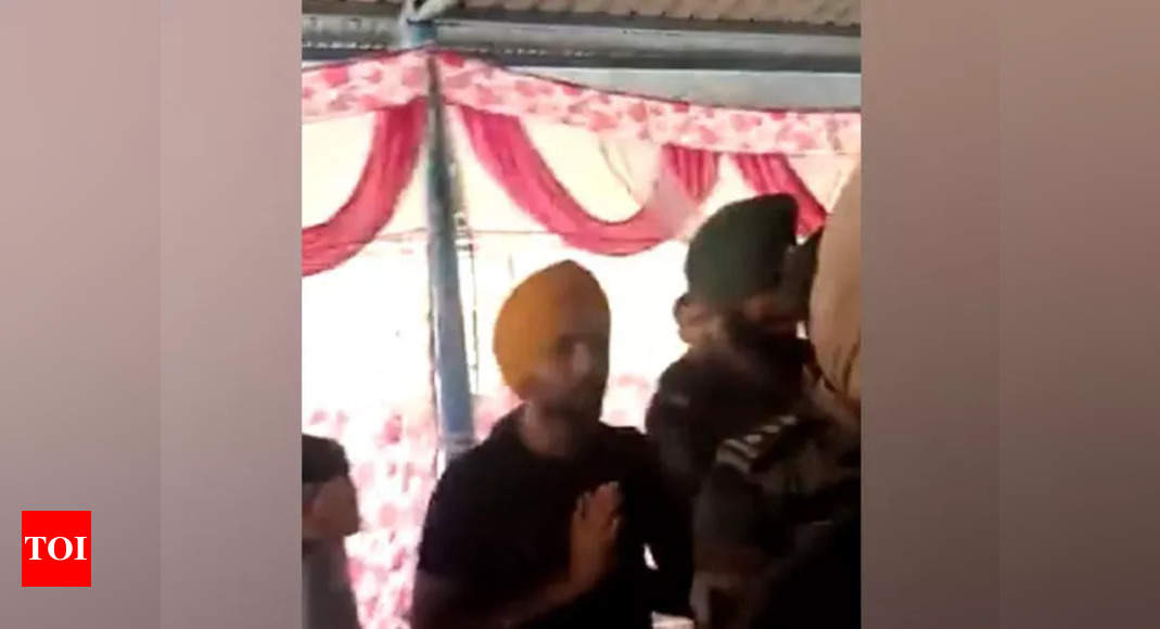 Video claiming Punjab regiment jawans protesting with farmers is fake: Army