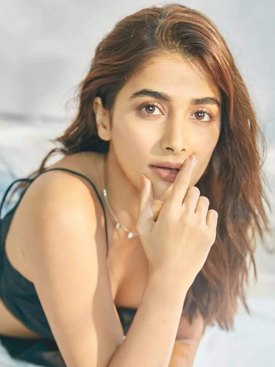 Pooja Hegde ups the heat in these pictures
