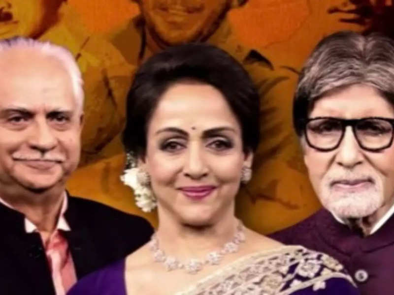 Sholay reunion on Kaun Banega Crorepati 13: Amitabh Bachchan, Hema Malini  imitate film's iconic characters, watch video - Times of India