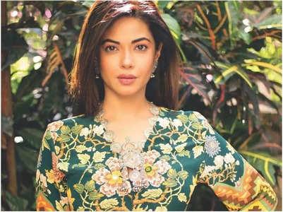 Meera Chopra seeks help after getting duped