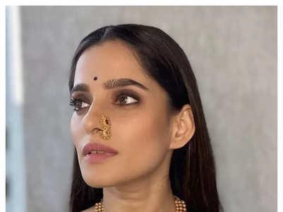 Marathi actresses in Royal Blue Hues!