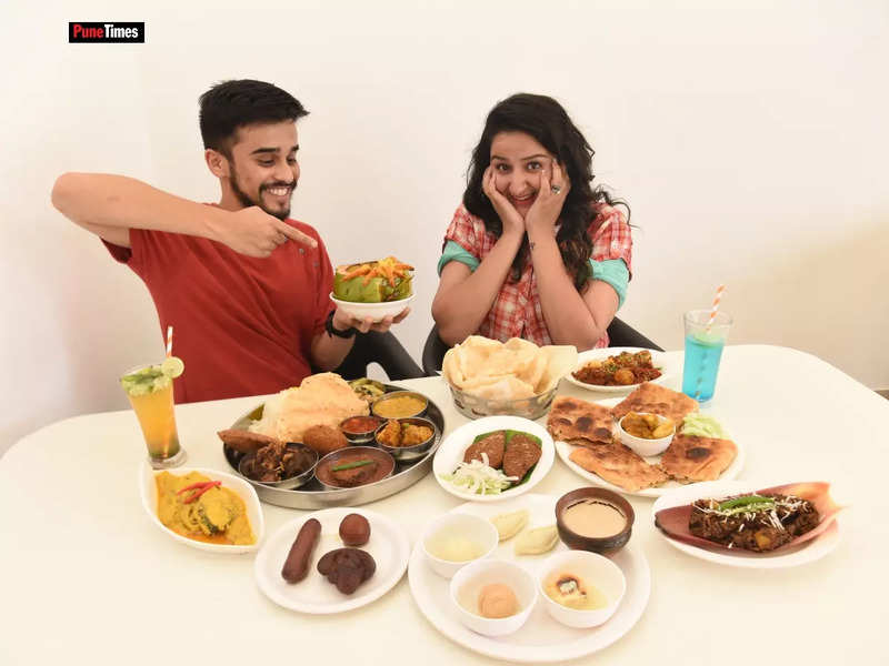 <p><strong><em><sup>H</sup></em></strong><strong><em><sup>ome chefs and restaurants, that would put up  stalls at pandals earlier, are reporting a rise in online orders and home delivery of dishes like egg rolls, chicken chop, fish cutlet, rossogollas, Mughlai parantha and mishti doi, along with combo meals comprising khichuri, labra begun bhaja and tomato chutney, which are part of the bhog. </sup></em></strong></p><p><strong><em><sup><br></sup></em></strong></p><p><strong><em><sup> Platter prepared by Apy's Kitchen, formerly known as Apyayan</sup></em></strong></p><p><strong><em><sup>Pic: File Photo</sup></em></strong></p>