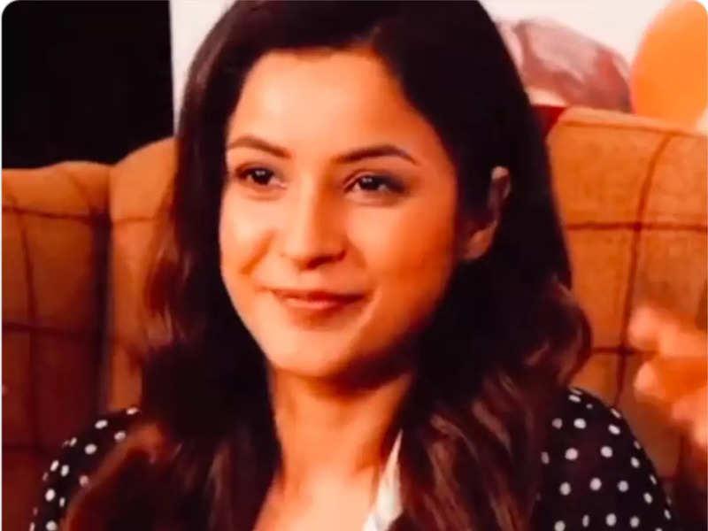 Bigg Boss fame Shehnaaz Gill promotes her upcoming film; says, 'I'd like to tell myself Honsla Rakh'