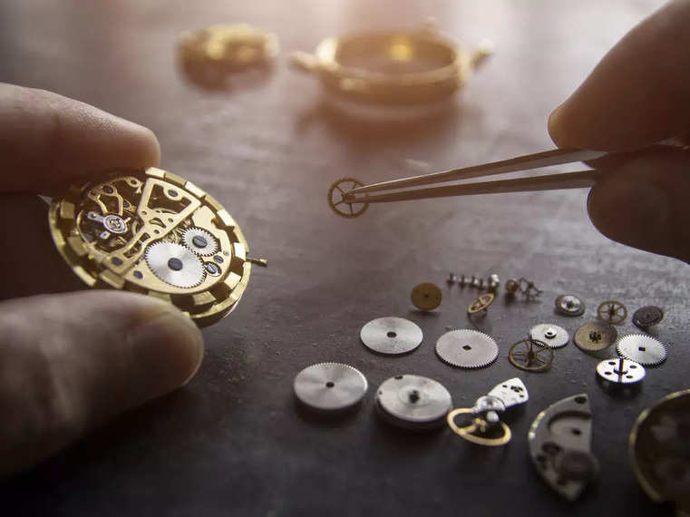 Environmental pacts for watches, jewellery