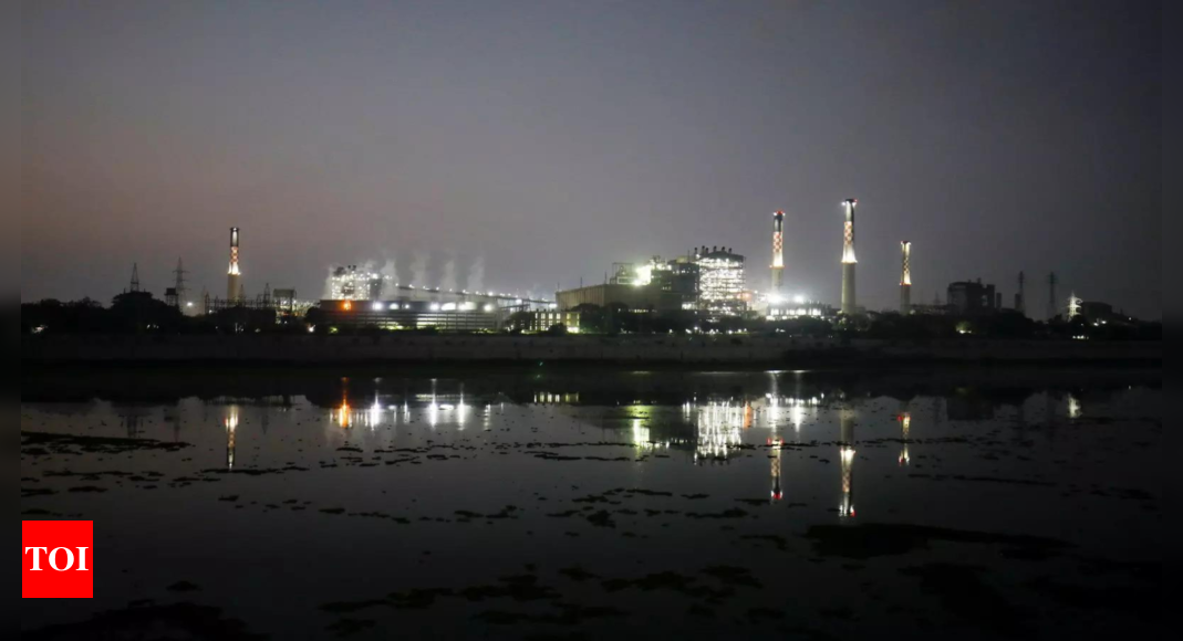 Coal India temporarily halts supply to non-power customers
