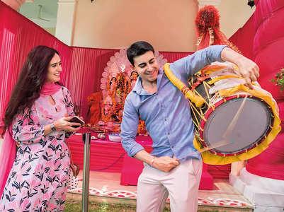 Gautam-Pankhuri on visiting puja pandal