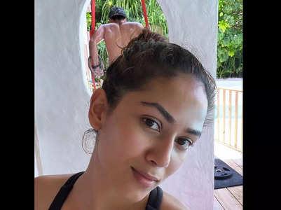 Shahid photobombs Mira's workout selfie