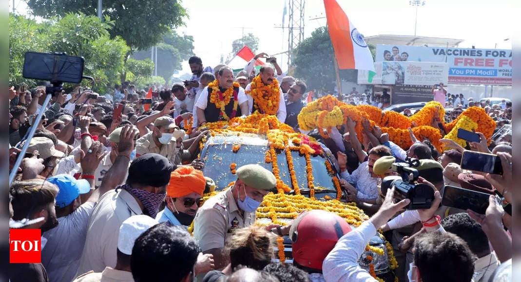 After joining BJP, Jammu Dogra faces Rana, Slathia return home to grand welcome