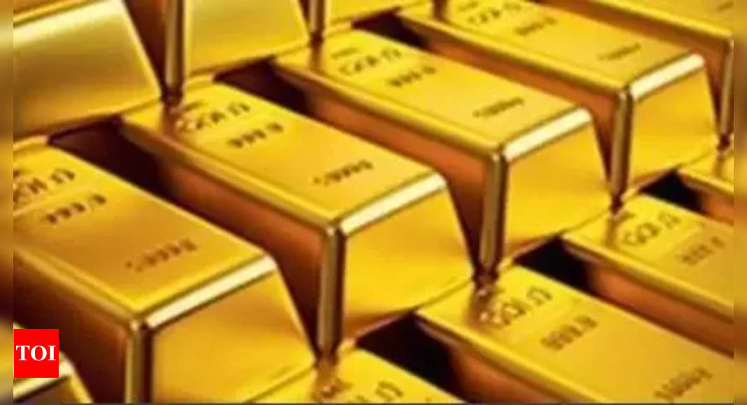 Gold imports jump multi-fold to bn in April-Sept