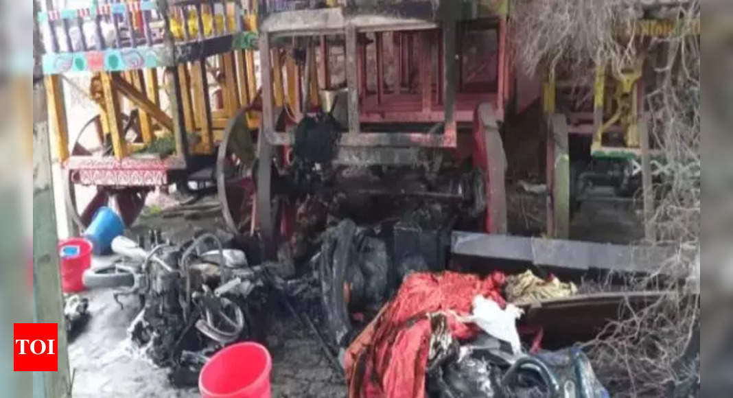 durga puja: Bangladesh Durga Puja violence: Vandalism continues; minorities call for countrywide hunger strike – Times of India