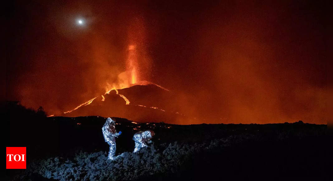 No end in sight to volcanic eruption on Spain's La Palma: Canaries president