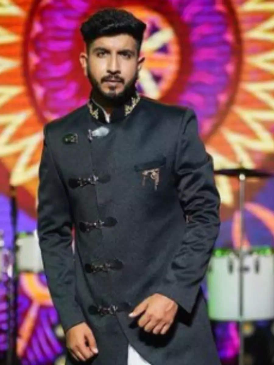 Top photos of musical persona Jigardan Gadhavi