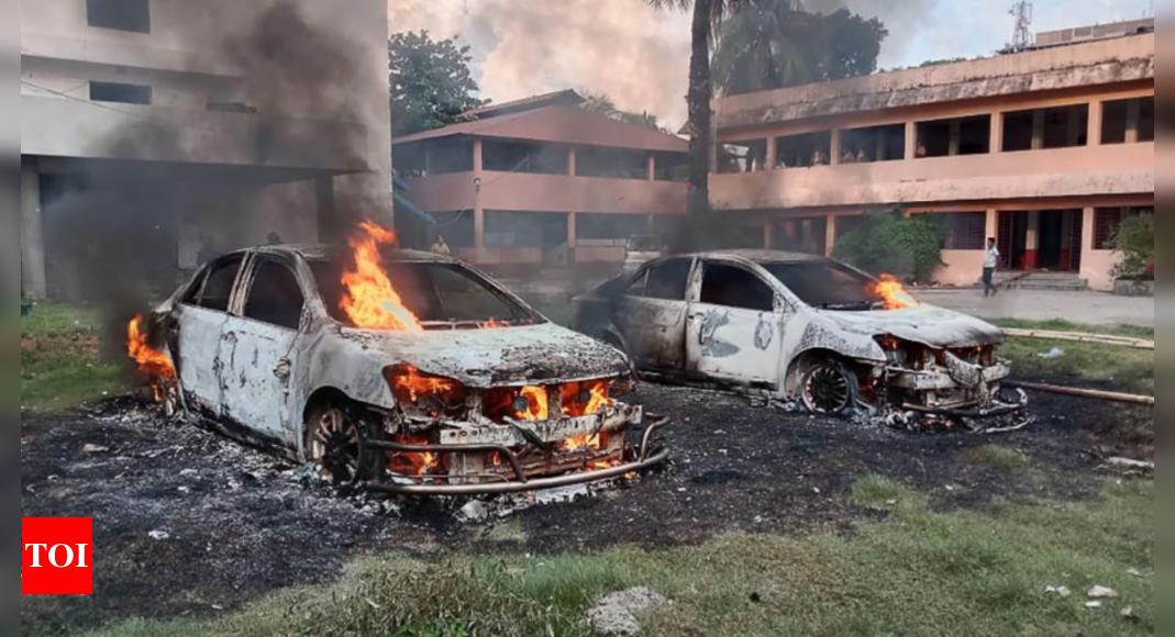 'Conspiracy against Hasina govt': Analysts on B'desh Durga Puja attacks