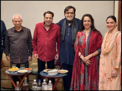 Hema Malini celebrates b'day with Dharmendra