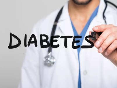 How diabetics should manage low blood sugar episodes