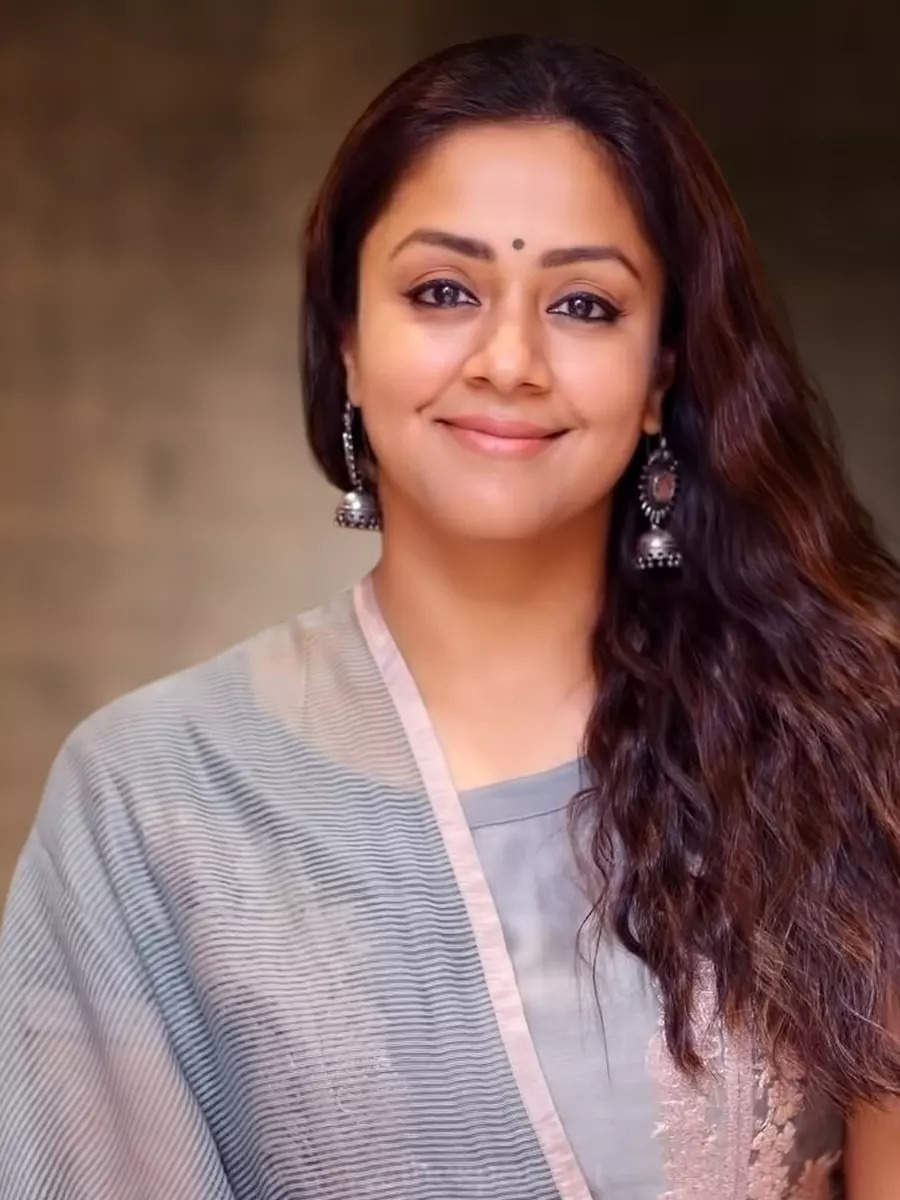 Delightful pictures of ever-charming Jyotika