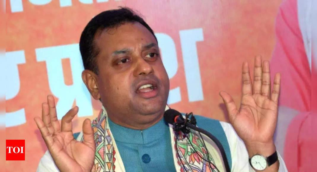 BJP slams Congress for 'vilification' of  Sardar Vallabhbhai Patel at CWC meeting