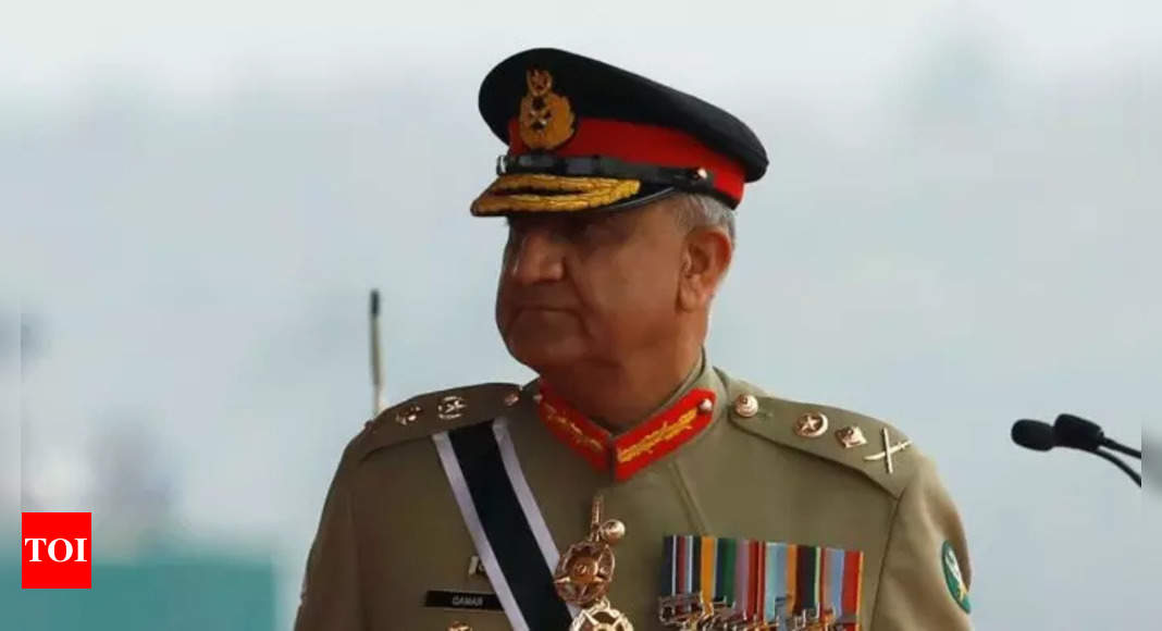Pak army chief visits ISI HQ amid tussle with Imran Khan govt