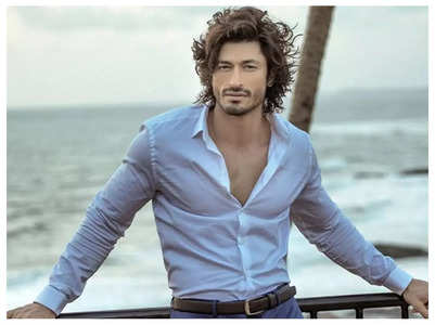 Vidyut calls out fake fitness standards