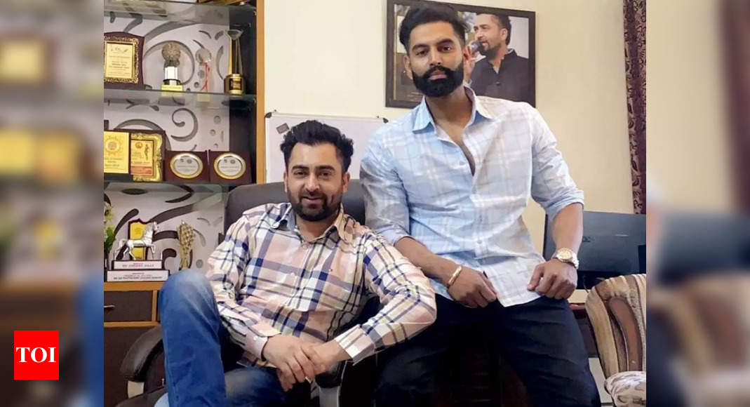 Viral video: Sharry Mann abuses Parmish Verma in a live session – Times of India