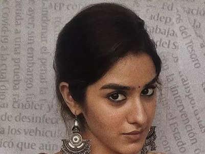 10 Splendid pictures of Sakshi Vaidya