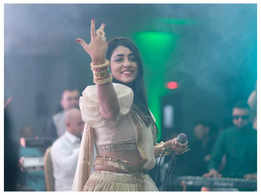 Performing in London during Navratri was a great experience: Kairavi Buch