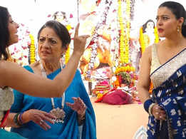 Kajol and Tanisha's playful public spat during Durga Puja reminds us of every sibling rivalry ever!