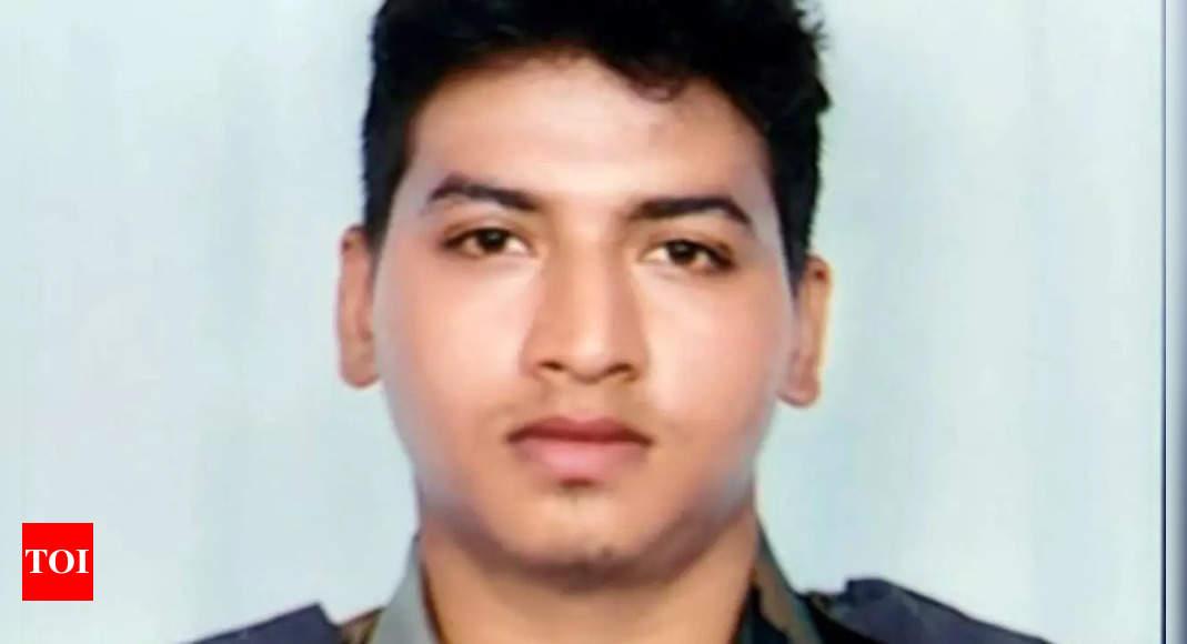 Soldier, 2 LeT men killed in Shopian