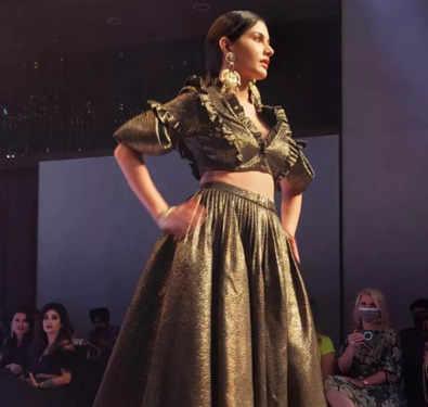 Amyra Dastur makes a stylish statement on Delhi's big date with fashion