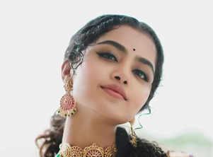 Radiant pictures of Anupama Parameswaran