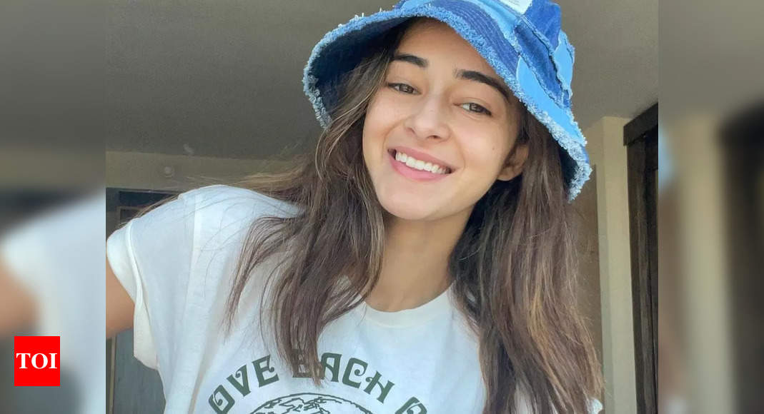 Ananya Panday's chats reveal she agreed to arrange ganja for Aryan Khan, but there is no evidence: NCB sources – Times of India ►