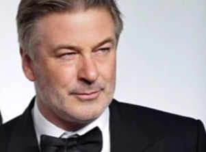 """Alec Baldwin shares his shock in first tweets since 'tragic' shooting accident on 'Rust' sets; says """"my heart is broken"""""""