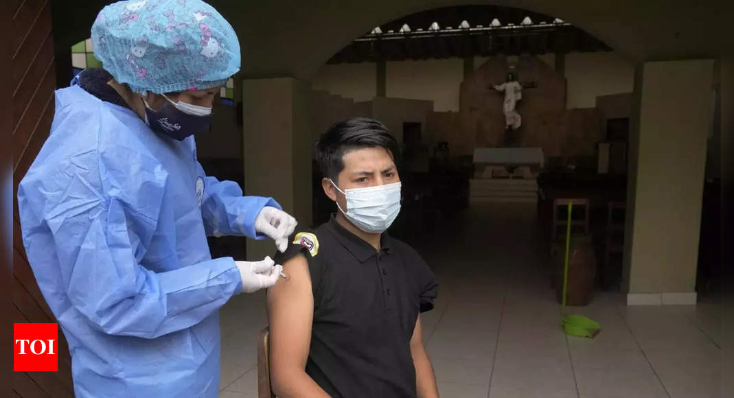 Peru surpasses 200,000 Covid deaths: officials thumbnail