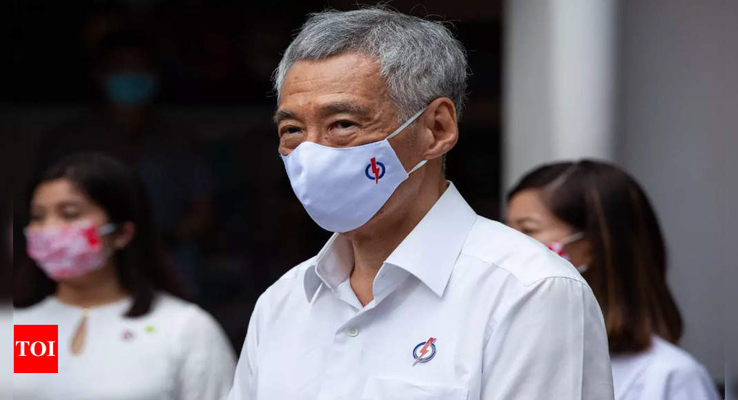 Singapore PM Lee rules out indefinite lockdown