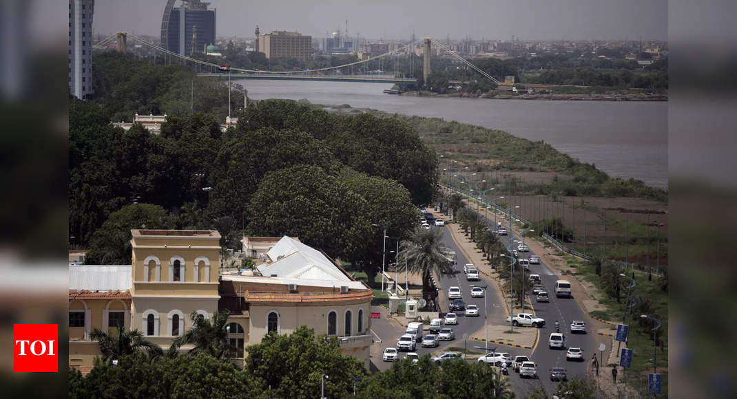 Ministers, party leaders detained in apparent coup in Sudan