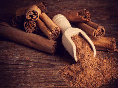 A TikToker claims cinnamon can cause poisoning