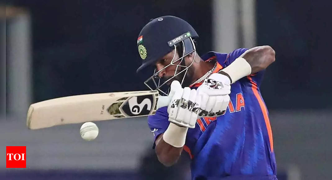 T20 World Cup: Hardik Pandya's shoulder injury 'not serious' but team management will 'wait and watch'   Cricket News – Times of India
