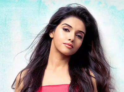 10 unseen photos of Asin that you cannot miss