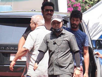 Prabhas spotted shooting for 'Adipurush'