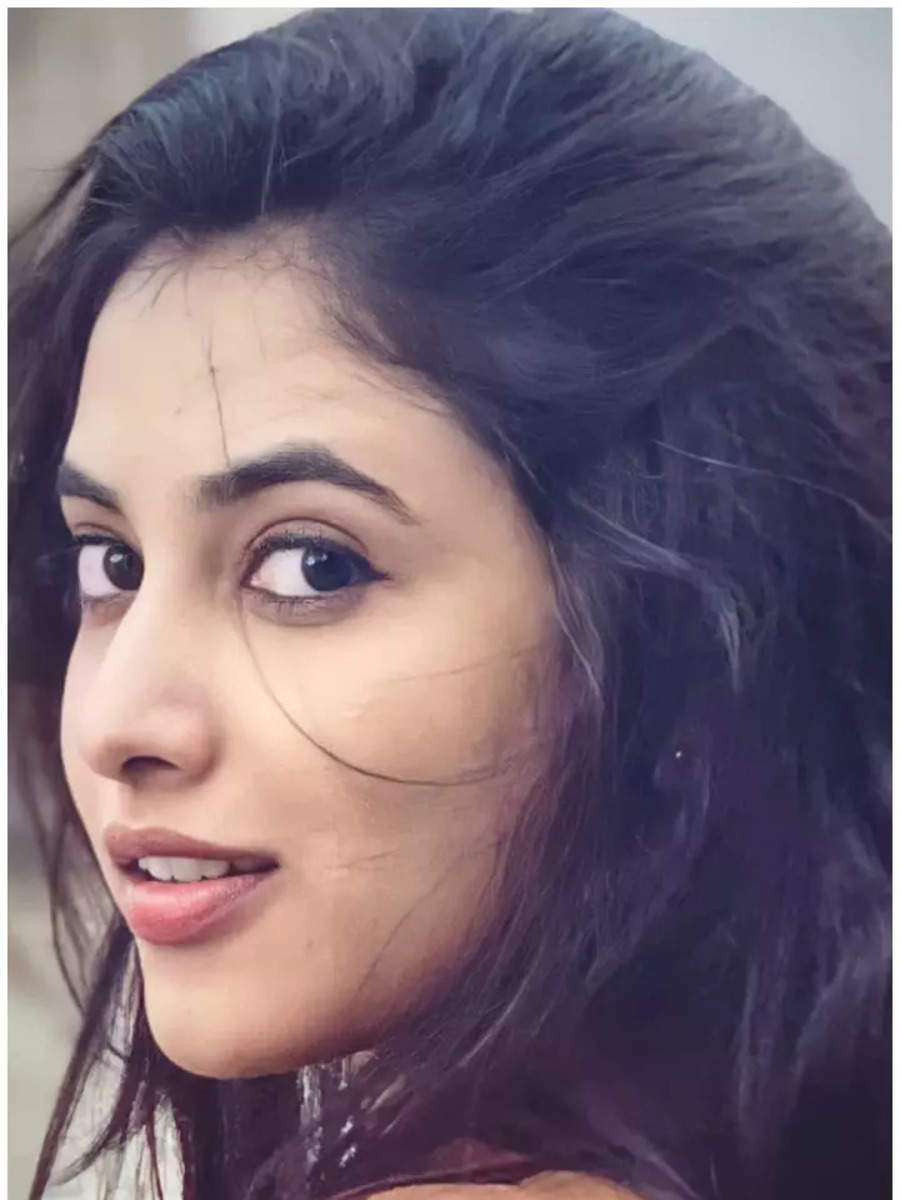 10 Eyeful pictures of Priyanka Arul Mohan