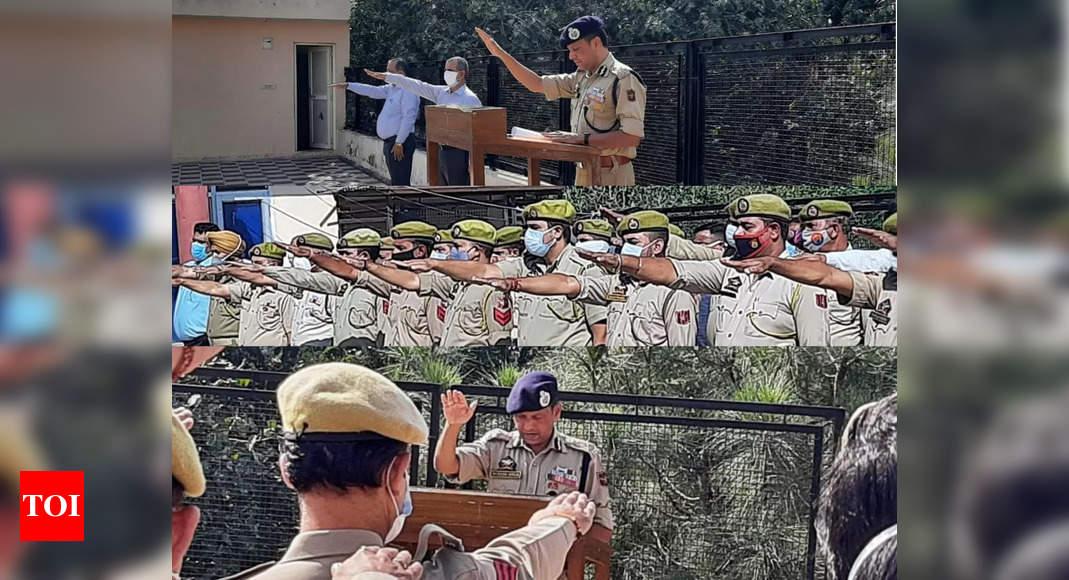 vigilance awareness week:   ADGP Jammu administers oath at 'observance of vigilance awareness week' ceremony | India News – Times of India