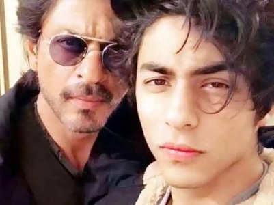 Celebs celebrate SRK's son Aryan's bail