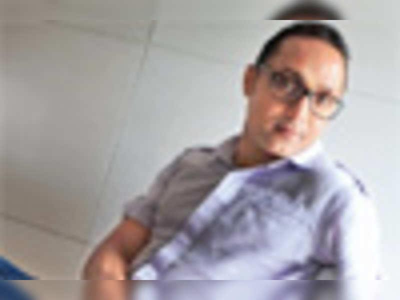 I'm ugly, so no chicks: Rahul Bose