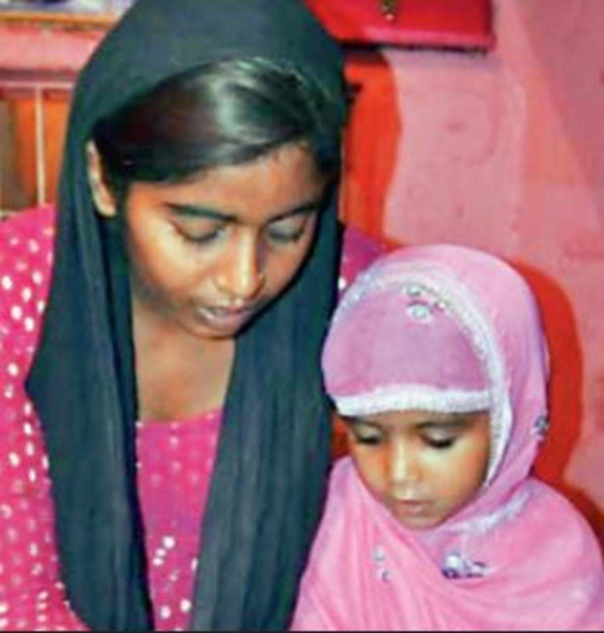 This 18-year-old Hindu girl teaches Quran to Muslim kids | Agra News