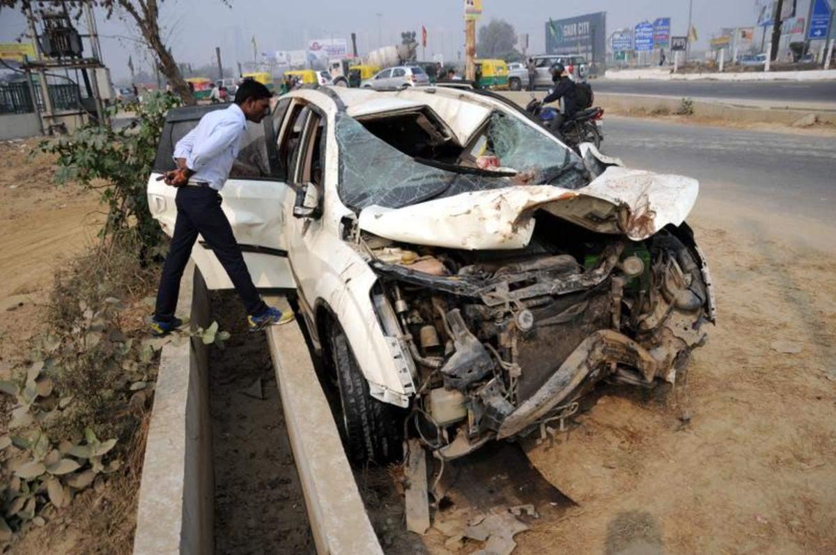 Property Dealer Killed In Crash Partner Injured Noida News