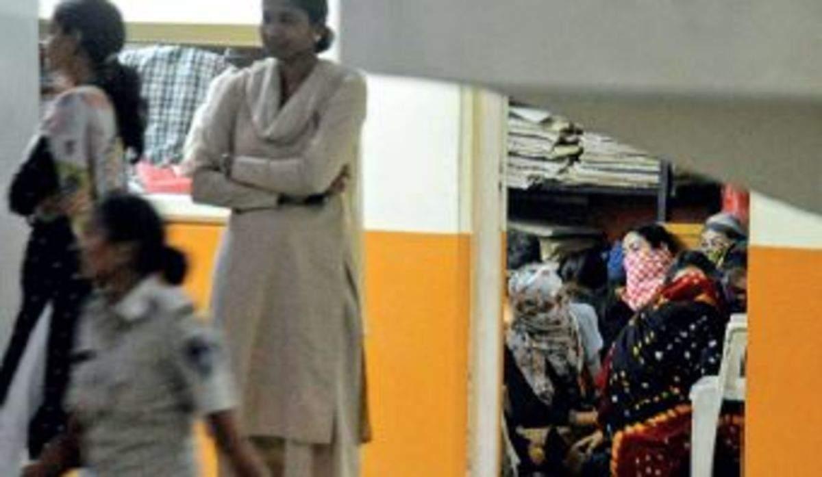 Spa raids: 28 Thai women detained | Ahmedabad News - Times