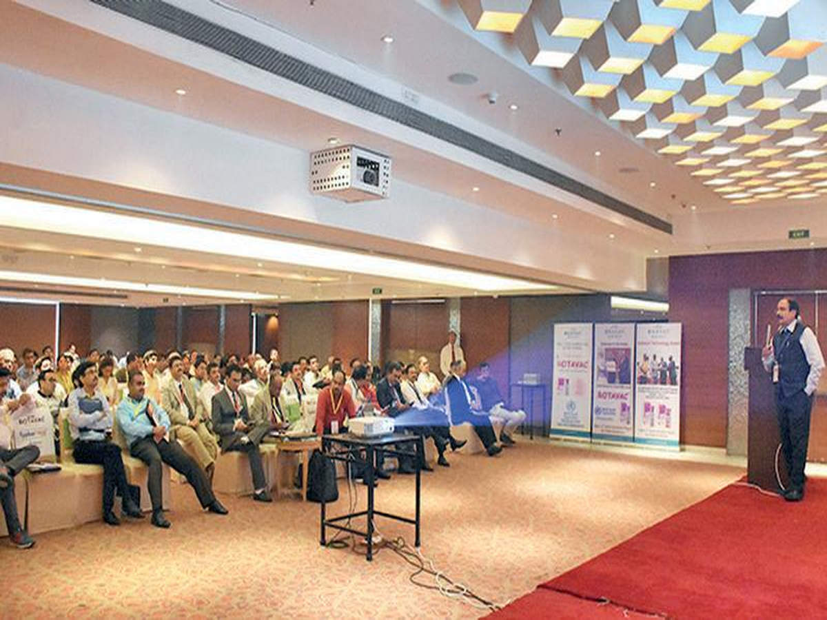 Mobile apps for vaccination launched | Vadodara News - Times of India