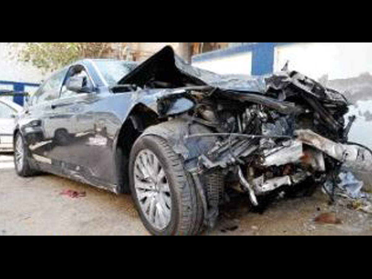Accident Gujarat Bmw Hit And Run Ends In Handshake Ahmedabad