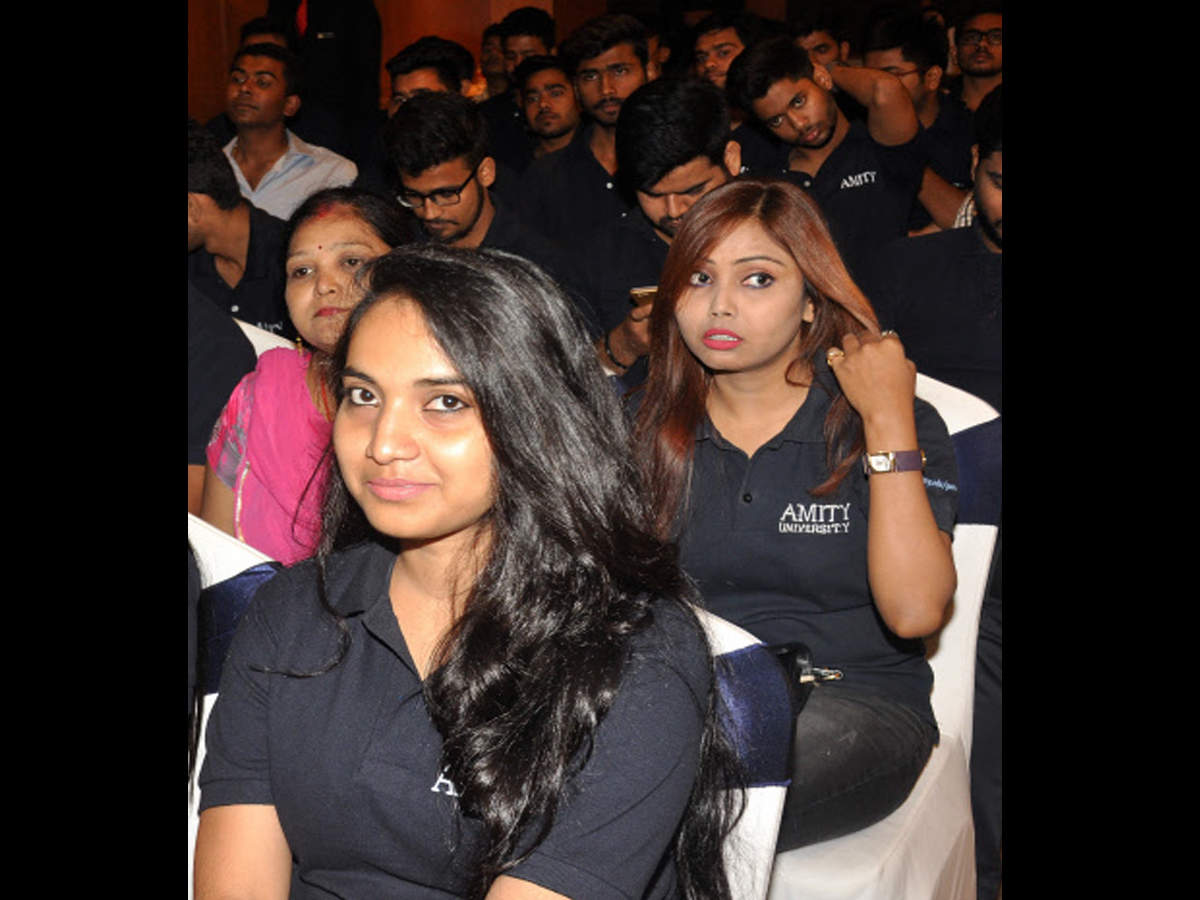 d8e2a3f8b09 dress code for convocation  Universities to have new dress code for ...