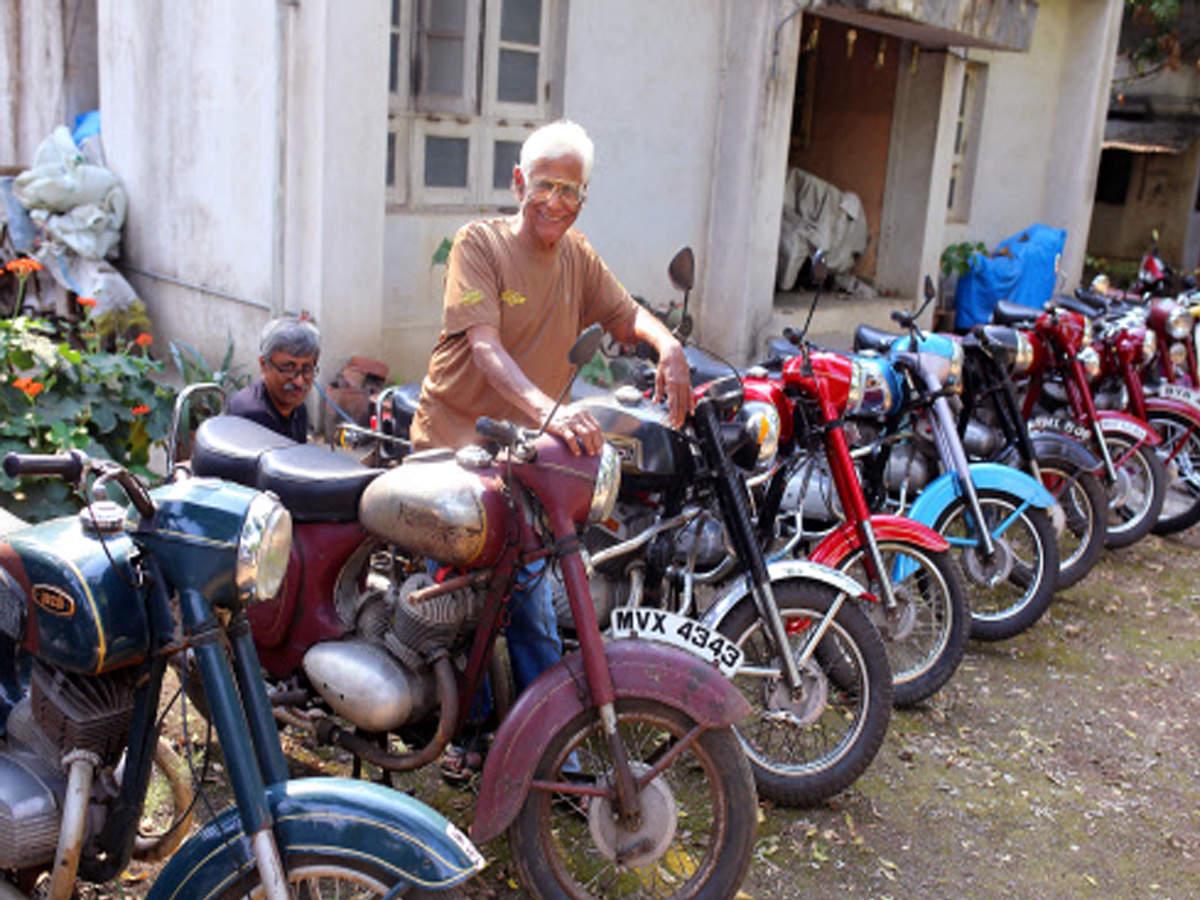 Motorcycle Diaries: Motorcycle diaries: Two men insist on keeping
